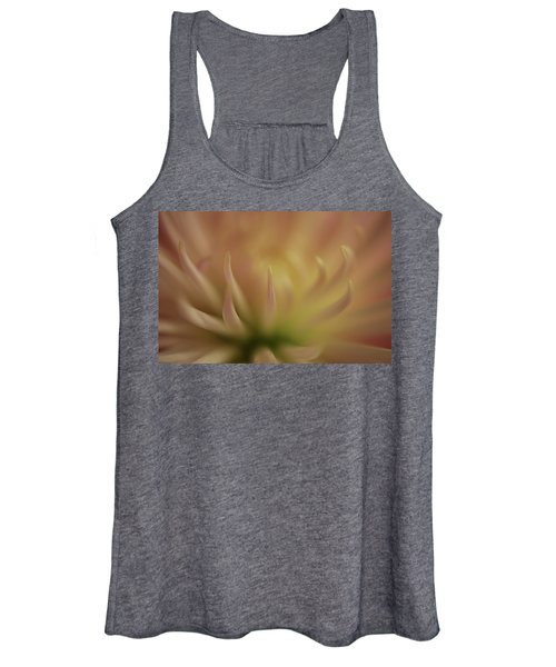 Women's Tank Top featuring the photograph Mum Claws by Bob Cournoyer