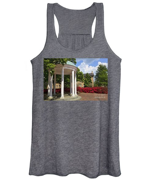 Old Well At Chapel Hill In Spring Women's Tank Top