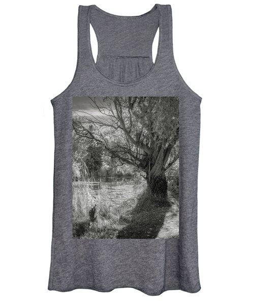 Old Willow Women's Tank Top
