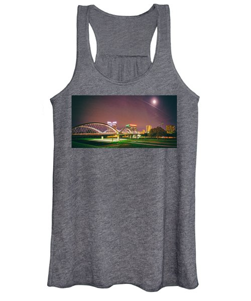 Panorama Of The Seventh Street Bridge And Downtown Fort Worth With Full Moon Above - Trinity River Women's Tank Top