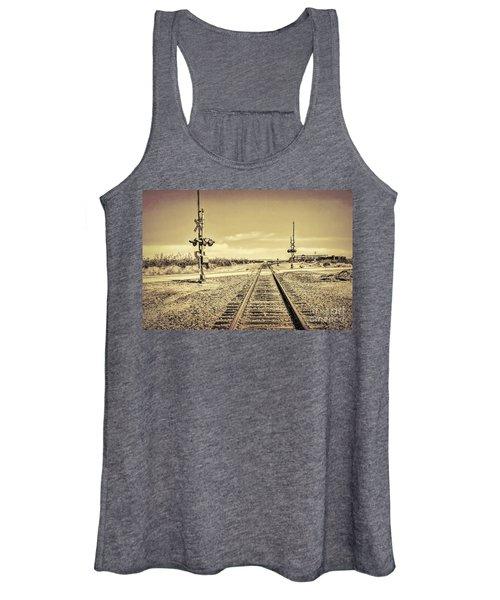 Railroad Crossing Textured Women's Tank Top