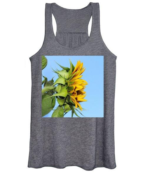 Reaching Sunflower Women's Tank Top