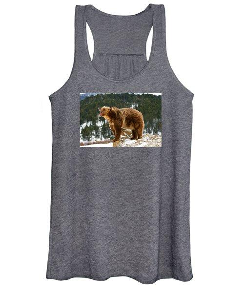 Roaring Grizzly On Rock Women's Tank Top