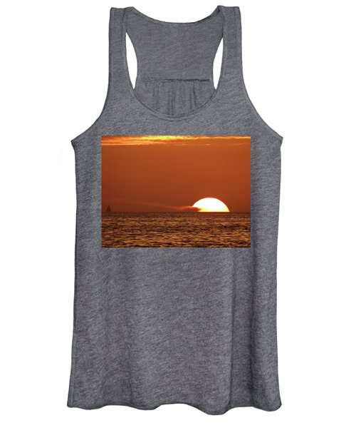 Sailing In The Sunset Women's Tank Top