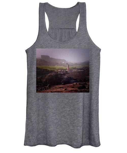 Searching For Shells Women's Tank Top