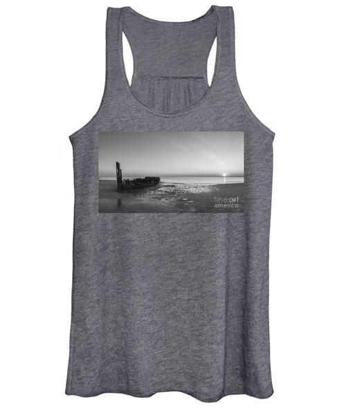 Shipwreck Panorama Bw Women's Tank Top