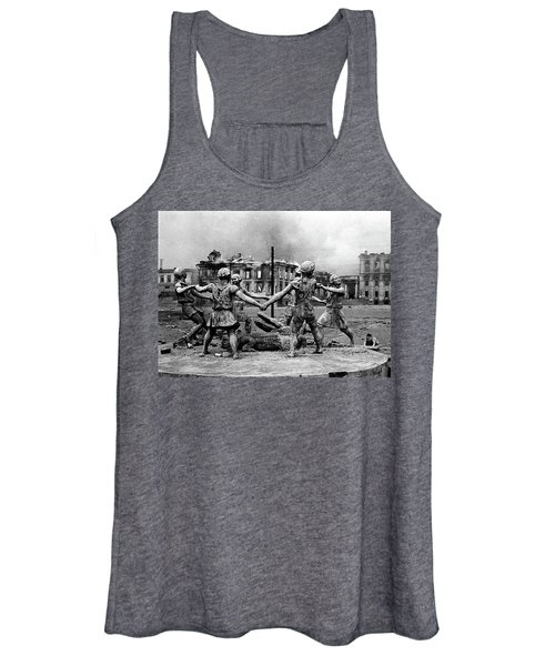 Statue Of Children After Nazi Airstrikes Center Of Stalingrad 1942 Women's Tank Top