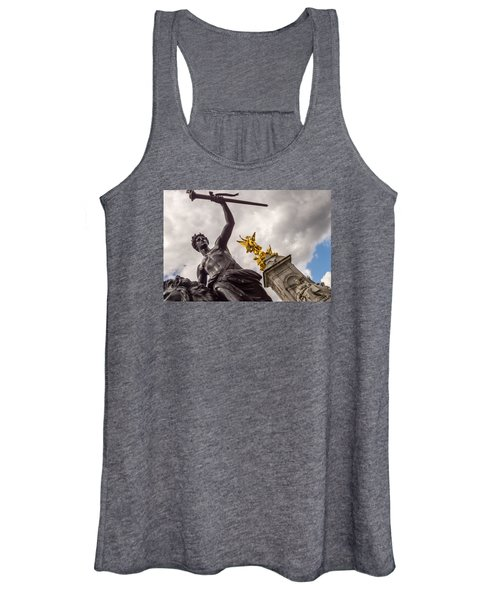 Statues In Front Of Buckingham Palace Women's Tank Top