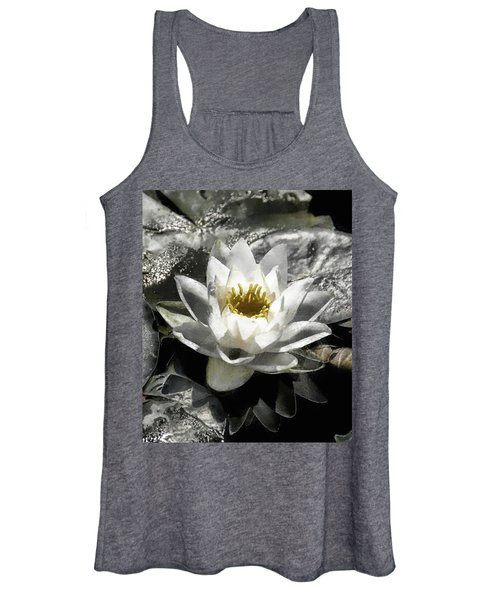 Strokes Of The Lily Women's Tank Top