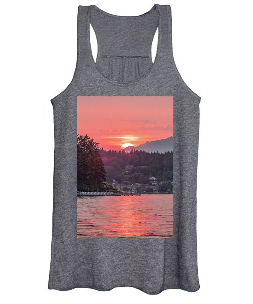 Summer Sunset Over Yukon Harbor.3 Women's Tank Top