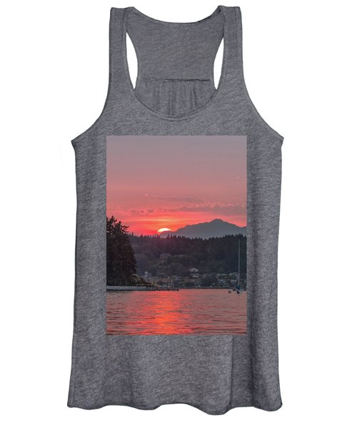 Summer Sunset Over Yukon Harbor.4 Women's Tank Top
