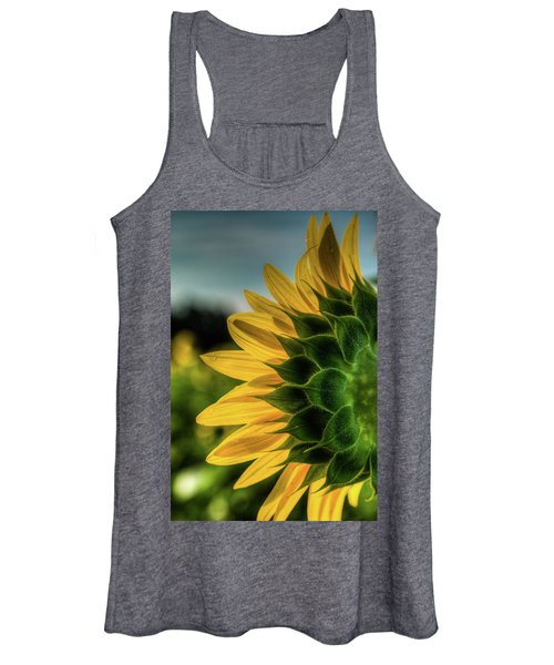 Sunflower Blooming Detailed Women's Tank Top