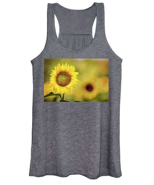 Sunflower In A Field Women's Tank Top