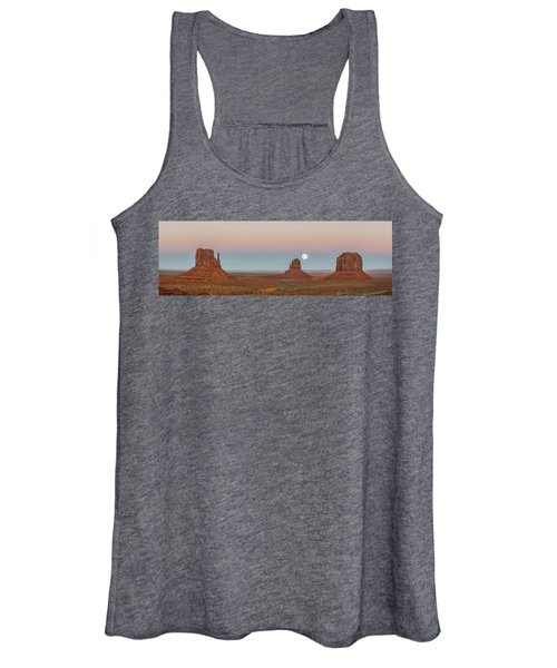 Super Moon In Monument Valley Women's Tank Top