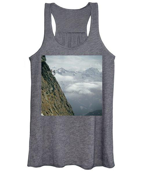 T-404101 Climbers On Sleese Mountain Women's Tank Top