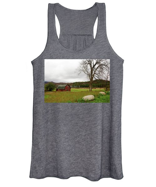 The Old Barn With Tree Women's Tank Top