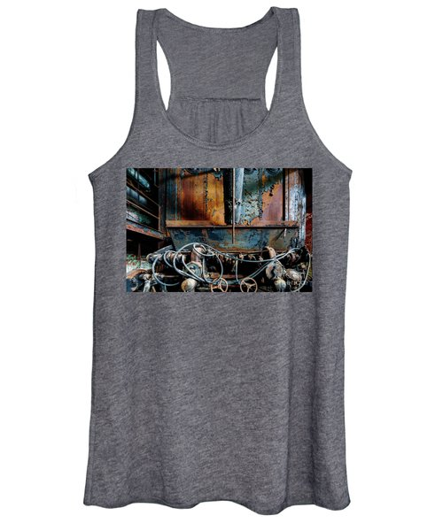 The Wizard's Music Box Women's Tank Top