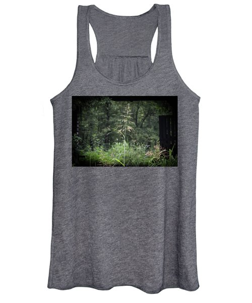 Through The Barn Women's Tank Top