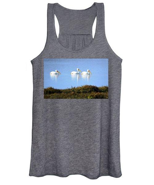 Tres Pelicanos Blancos Women's Tank Top
