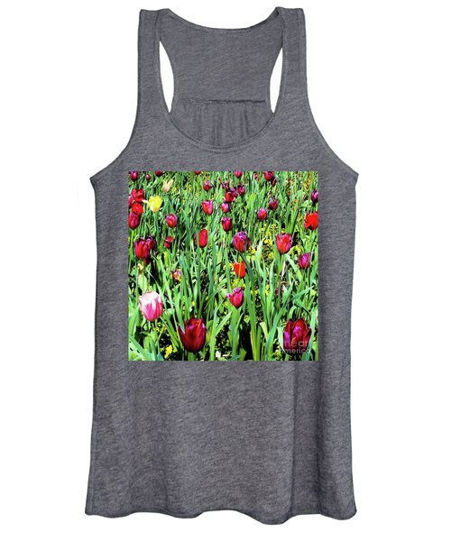Tulips Blooming Women's Tank Top