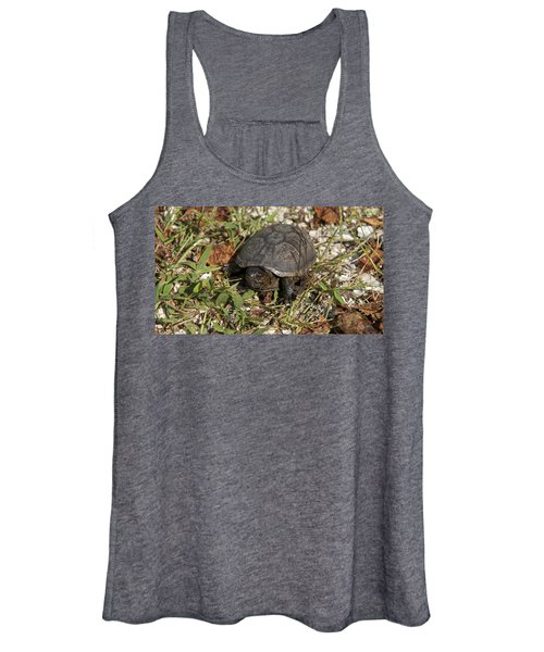 Up Close With Slow Women's Tank Top