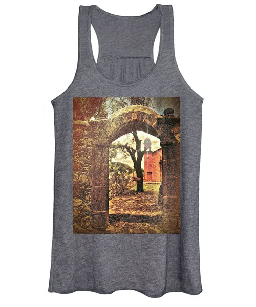 View To The Past Women's Tank Top