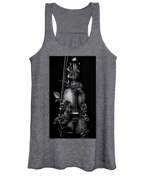 violin covered in roses In Black And White Women's Tank Top