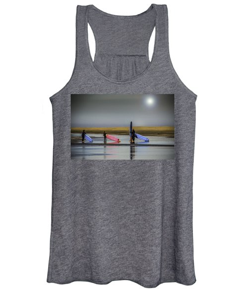 Waiting For The Surf Women's Tank Top