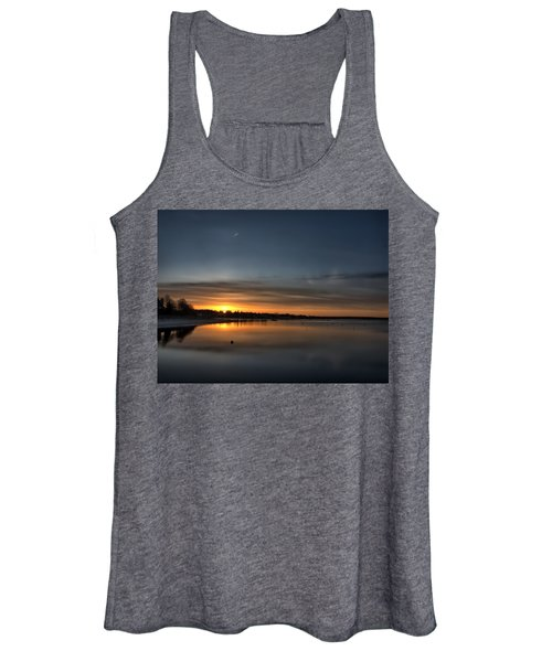 Waking To A Cold Sunrise Women's Tank Top