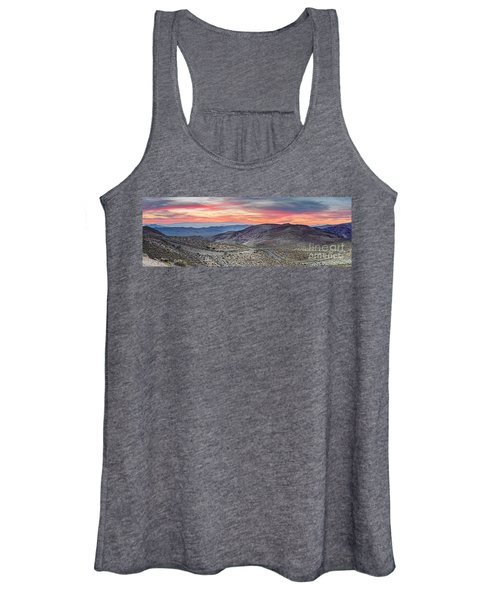 Watching The Sunrise From Dante's View - Black Mountains Death Valley National Park California Women's Tank Top