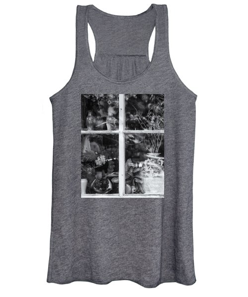 Window In Black And White Women's Tank Top