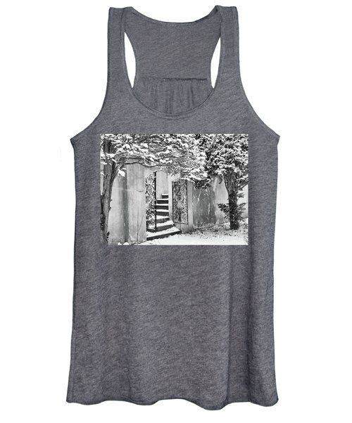 Winter Steps At The Vanderbilt In Centerport, Ny Women's Tank Top
