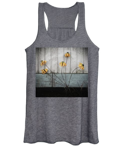 Fake Wilted Flowers Women's Tank Top