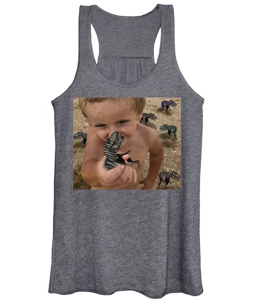 Lots Of These Snappy Critters Round Women's Tank Top