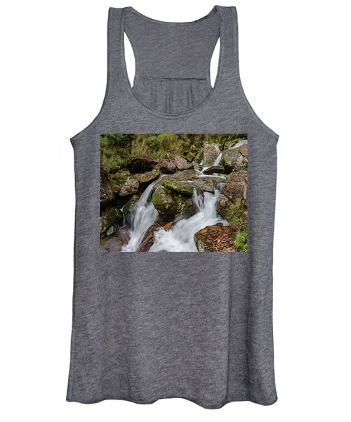Medium Cascade Women's Tank Top