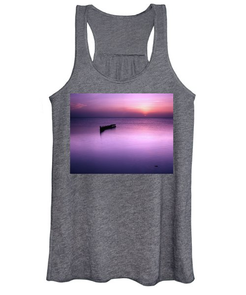 Sun Sets On A Sunken Boat Women's Tank Top