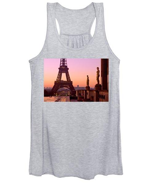 Eiffel Tower At Dawn / Paris Women's Tank Top