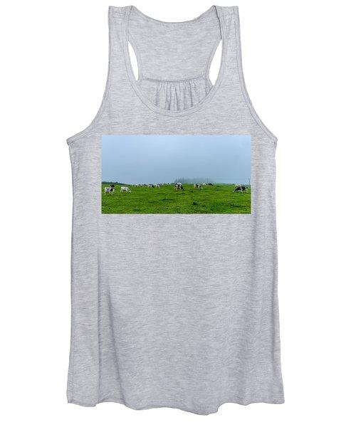 Cows In The Field Women's Tank Top