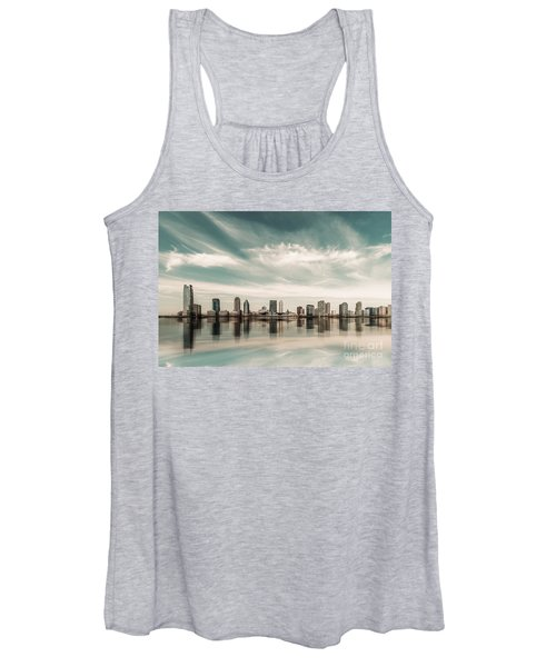 a look to New Jersey  Women's Tank Top