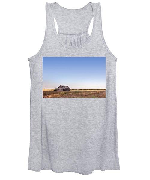 Abandoned Farmhouse In A Field Women's Tank Top