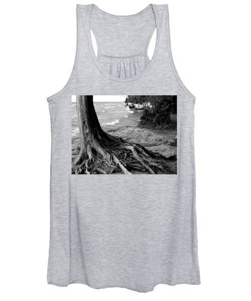 B And W Cedar Roots At Cave Point Women's Tank Top