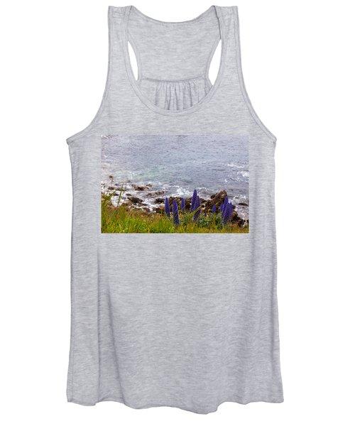Coastal Cliff Flowers Women's Tank Top
