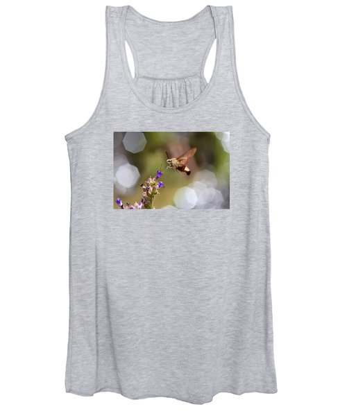 Hovering Pollination Women's Tank Top