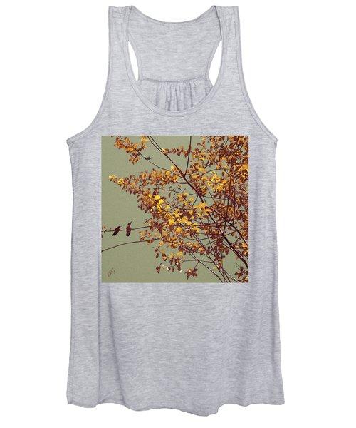 Hummingbirds On Yellow Tree Women's Tank Top