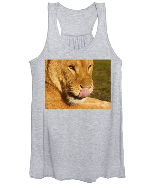 Lion Licking Her Nose Women's Tank Top
