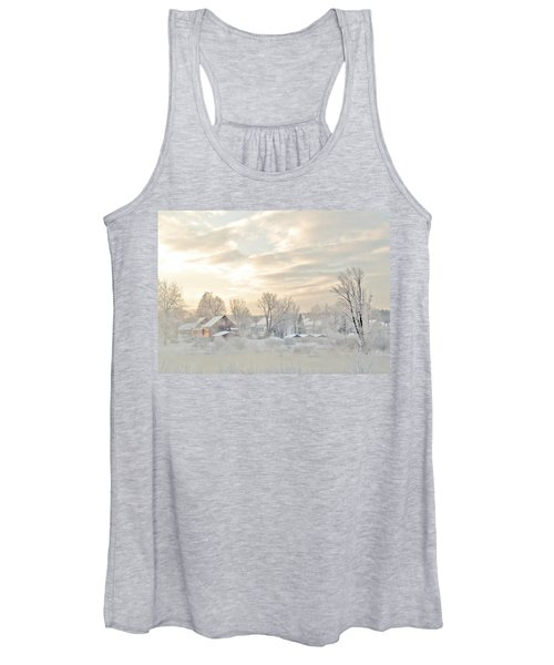 River Mist On A Very Cold New Hampshire Morning Women's Tank Top