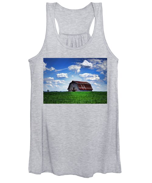 Riverbottom Barn Against The Sky Women's Tank Top