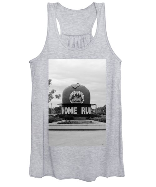 Shea Stadium Home Run Apple In Black And White Women's Tank Top