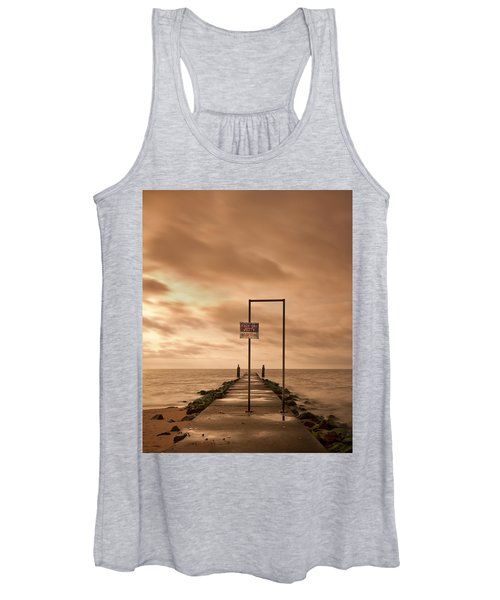 Storm Warning Women's Tank Top