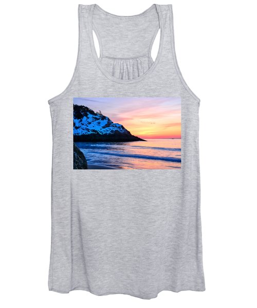 Touch Of Snow Singing Beach Women's Tank Top